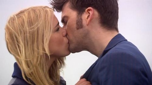 doctor-rose-kiss